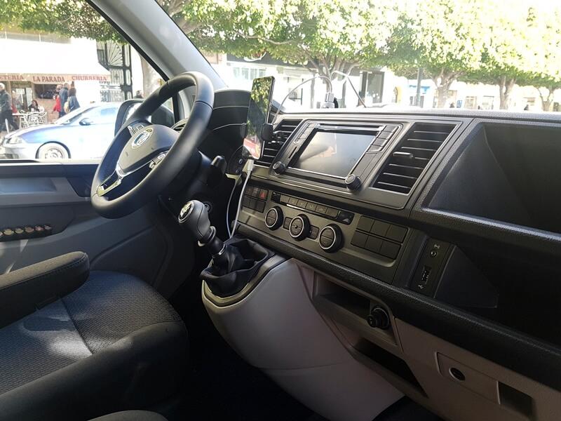 Interior del taxi, parte delantera